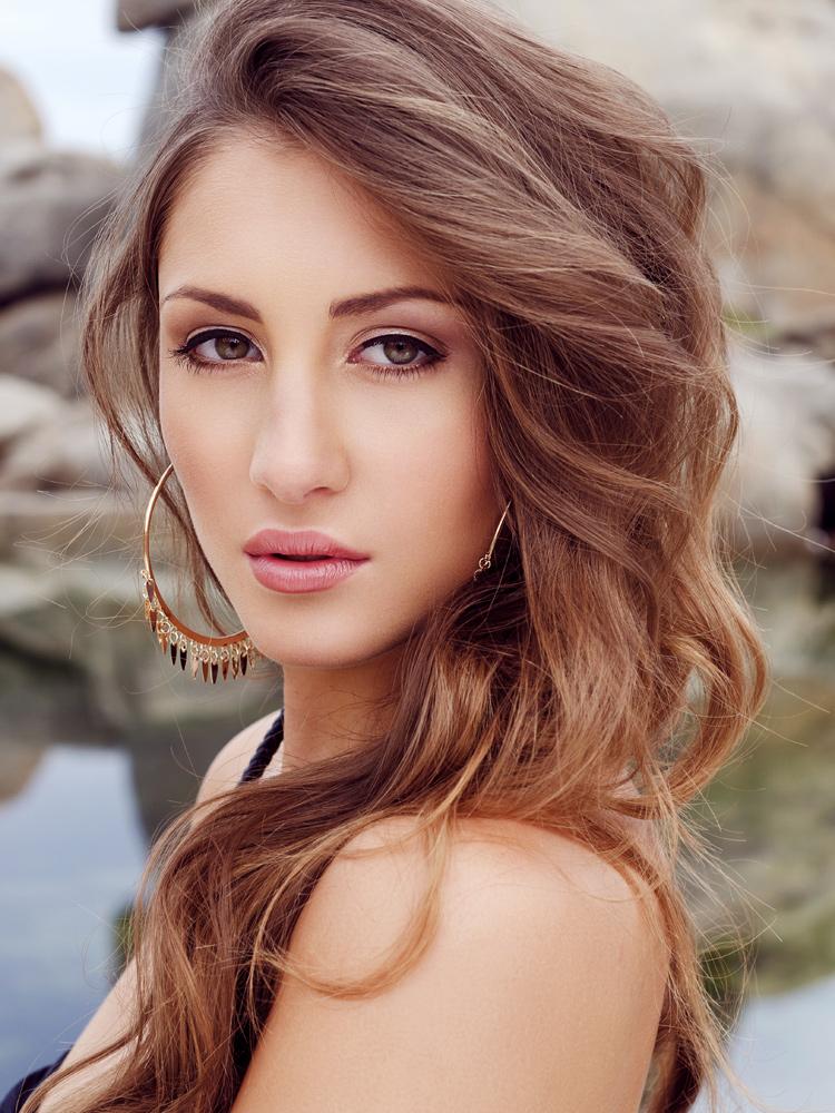 Nicole G