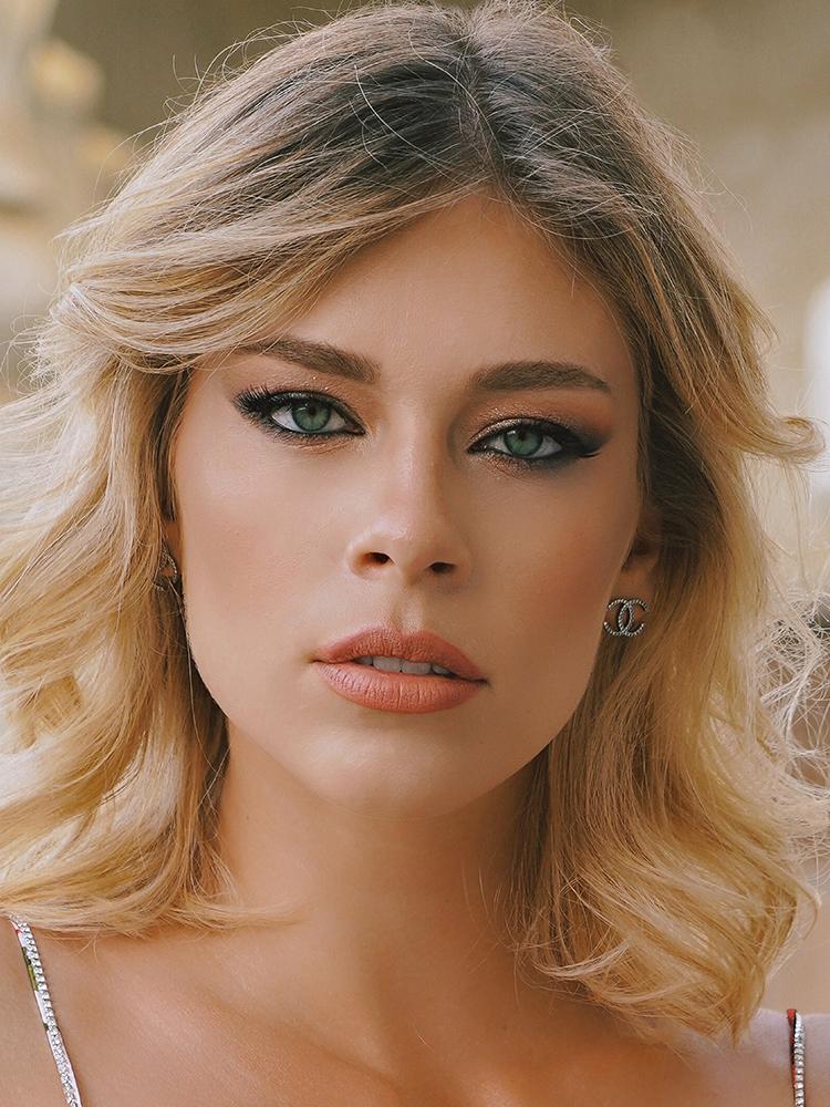 Viktoria S